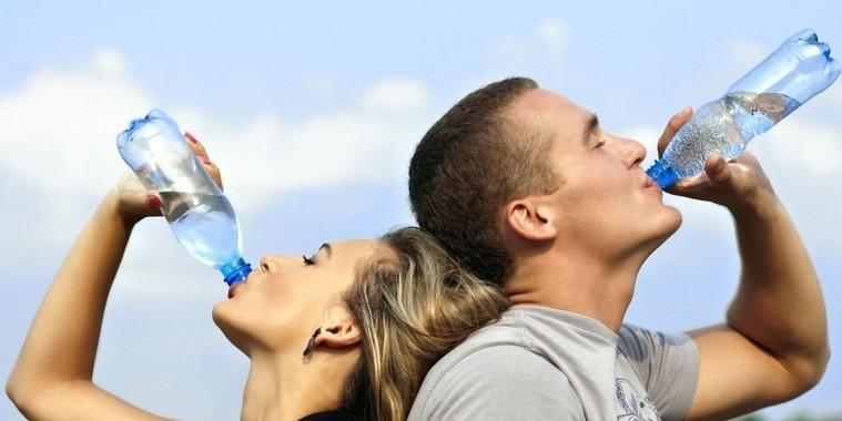 Saiba o que acontece com o corpo quando você deixa de beber água