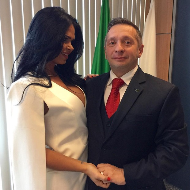 Milena Santos e o ministro do Turismo (Crédito: Divulgação)