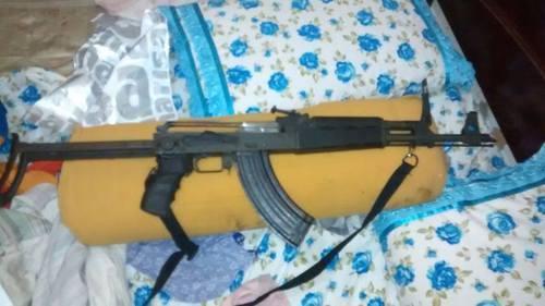 Fuzil modelo AK-47 apreendido com