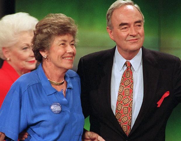 Harris Wofford com sua ex-mulher, Clare (Crédito: Divulgação)