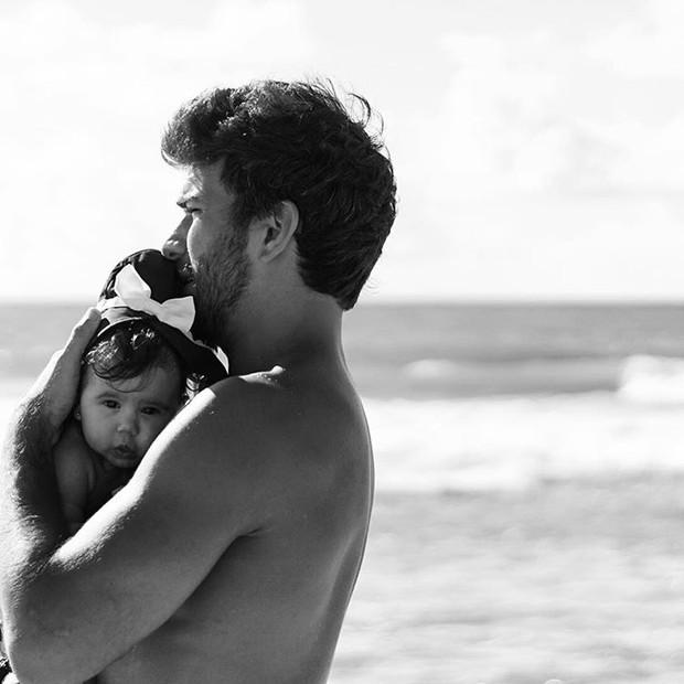 Hugo Moura com a filha  (Crédito: Reprodução/ Instagram )