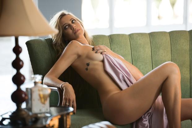Luana Piovani na Playboy (Crédito: Reprodução)