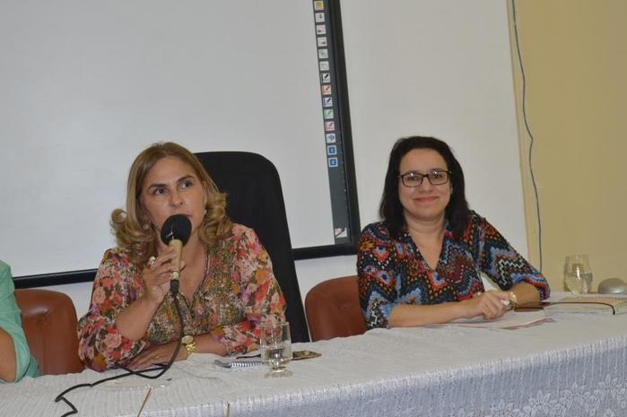 Discussão sobre violência contra mulher