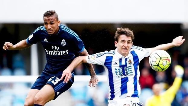 Brasileiro Danilo (esq) em ação pelo Real Madrid contra a Sociedad