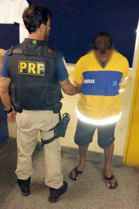 PRF prendeu suspeito usando uniforme