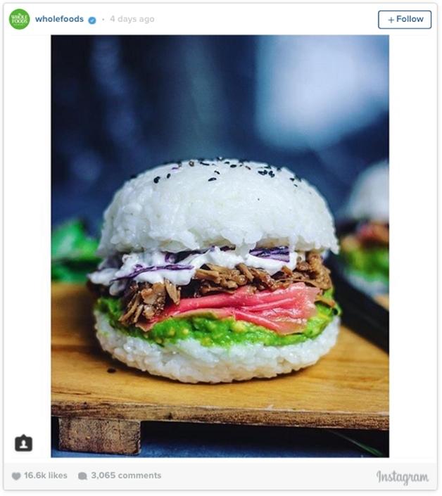 Sushi em formato de hamburguer (Crédito: Reprodução)