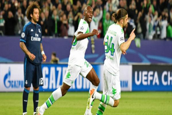 Jogadores do Wolfsburg comemoram gol diante do Real Madrid (Crédito: Reuters)