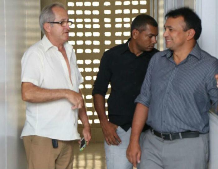 Fábio Abreu em visita obras da Segurança em Picos.  (Crédito: Tavynho Neto)