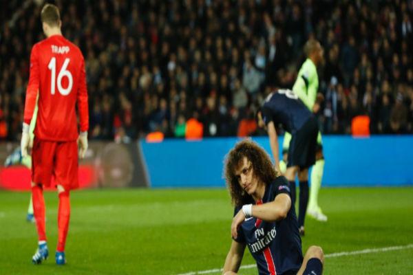 David Luiz falhou mais uma vez (Crédito: Reuters)