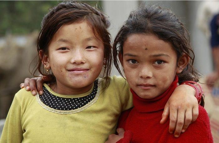Crianças são vendidas no Nepal (Crédito: Reprodução)
