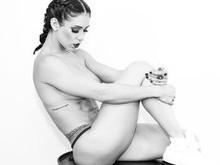 Bella Falconi faz ensaio pós-gravidez:
