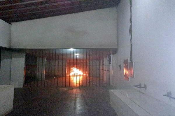 Presos queimaram colchões (Crédito: Reprodução)