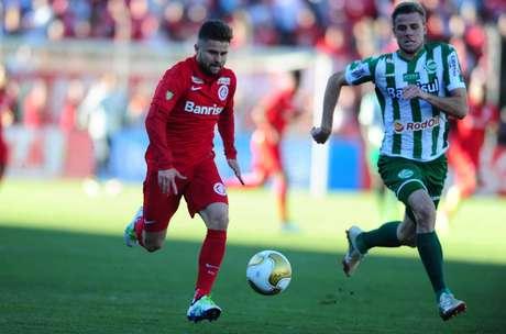 A partida da decisão gaúcha foi repleta de oportunidades de gol para ambos os rivais l (Crédito: Ricardo Duarte/Internacional)