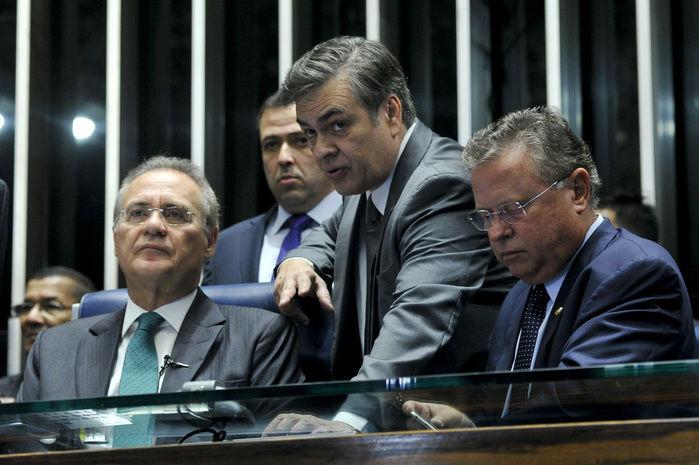 Renan Calheiros abre sessão (Crédito: Reprodução)