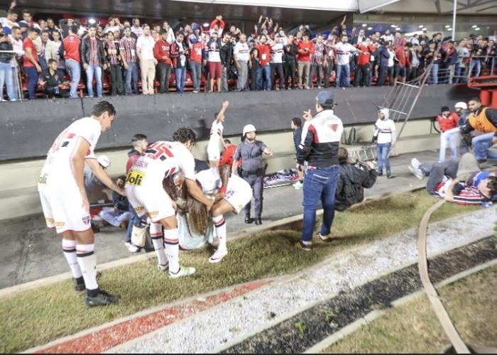 Acidente deixou torcedores feridos no Morumbi