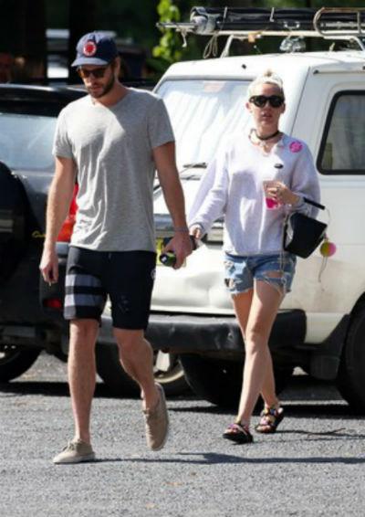 Liam Hemsworth e Miley Cyrus (Crédito: AKM-GSI Brasil)