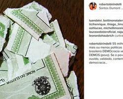 Famosos comentam afastamento da presidente Dilma em posts na web