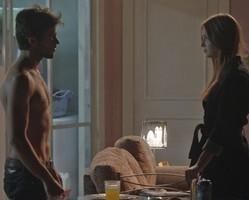 Jonatas confronta Eliza e a pede em namoro:
