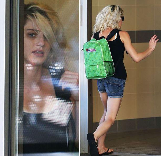 Jenna Louise Driscoll foi acusada de fazer sexo com pitbull