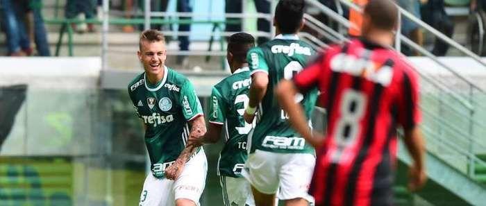 Palmeiras não teve trabalho em sua estreia no Brasileiro