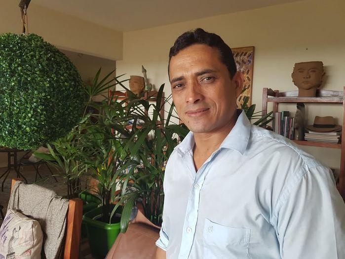Airton Olliveira um artista Coizanossa