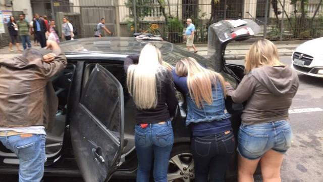Três mulheres são presas por aplicar golpe em idosos (Crédito: Reprodução)