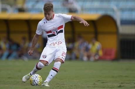 Lucas Fernandes foi o destaque do jogo e fez o gol do São Paulo