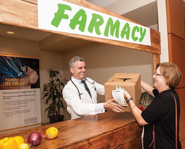Médico cria farmácia (Crédito: Reprodução)