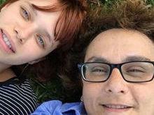 Bruna Linzmeyer assume relacionamento com mulher 24 anos mais velha