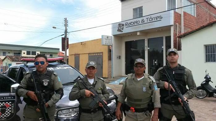 Policiais que  participaram da prisão