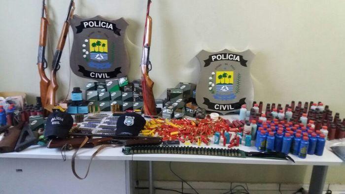 Armas e munições apreendidas em Inhuma