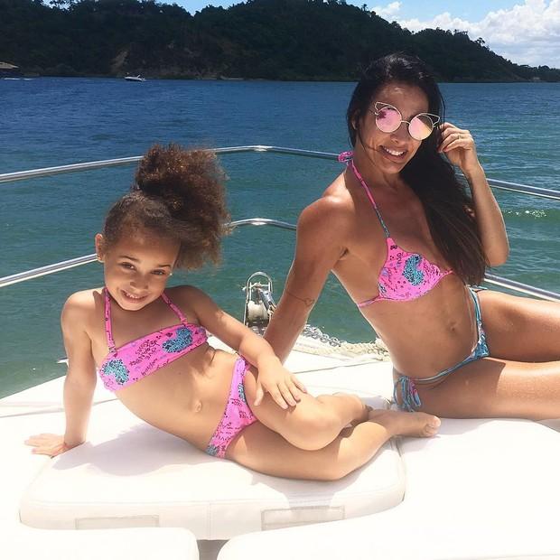 Scheila e a filha de 5 anos (Crédito: Reprodução)