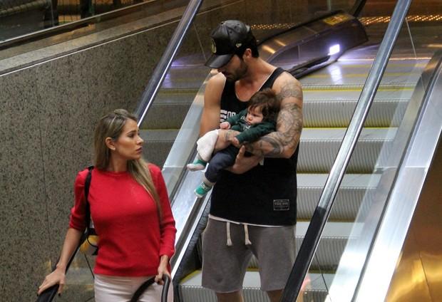 Adriana, Rodrigão e o bebê (Crédito: Reprodução)