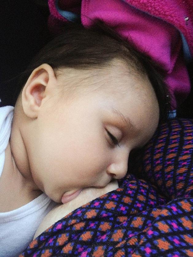 Mãe cria série poderosa sobre sua experiência com a maternidade (Crédito: Reprodução)