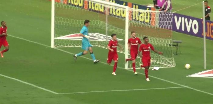 Jogadores do Inter comemoram gol diante do São Paulo (Crédito: Reprodução)