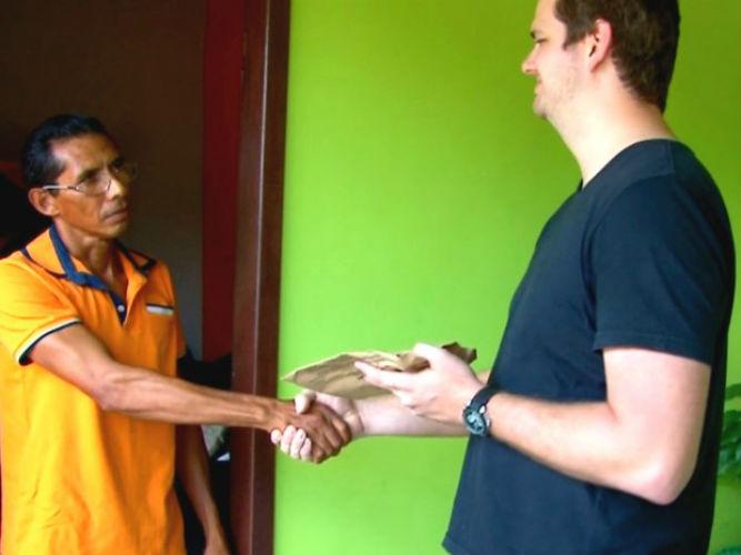 Após achar dinheiro, Francisco foi descobrir endereço de empresário  (Crédito: Arquivo pessoal)