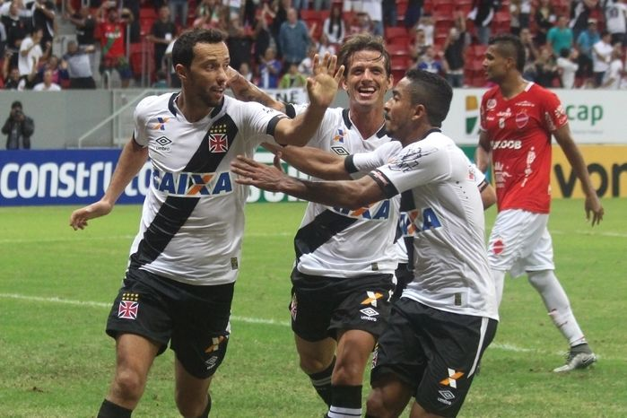 Nenê comemora gol  (Crédito: Site/ Vasco)