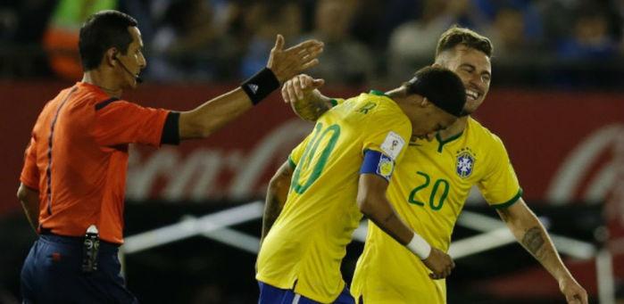 Lucas Lima, que já foi camisa 20, vai herdar a camisa 10 de Neymar (Crédito: AP)
