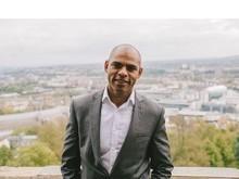 Cidade da Inglaterra ''repara'' história ao eleger prefeito negro