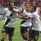 Vasco vence Vila Nova com 2 de Nenê e mantém liderança na Série B