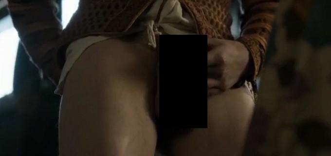 Emilia Clarke vibrou com cena (Crédito: Reprodução)