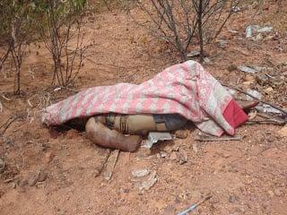 Corpo é encontrado em estado de putrefação (Crédito: FM News)