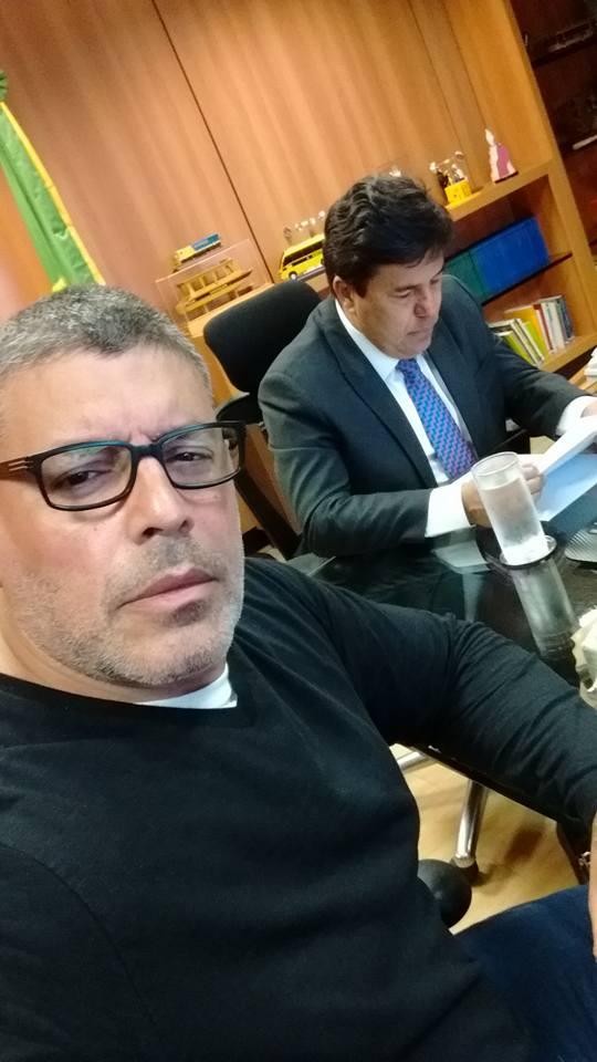 Alexandre Frota em foto com o ministro da Educação (Crédito: Reprodução)