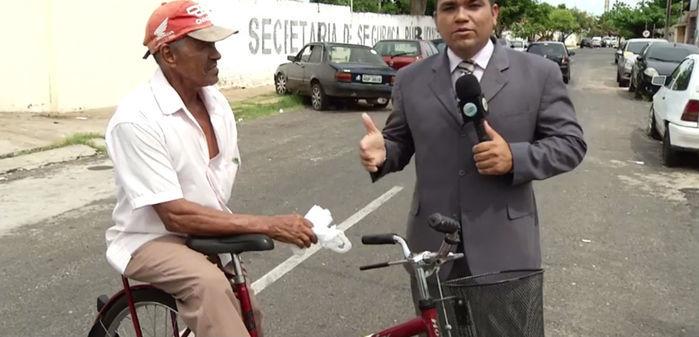 Bicicleta do idoso foi roubada no centro de Teresina (Crédito: Reprodução)
