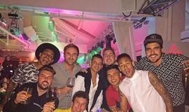 De fora da Copa América, Neymar curte férias com Caio Castro