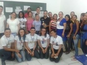 Acadêmicos do 4.º Período de Letras Português do CESTI-Uema, se des