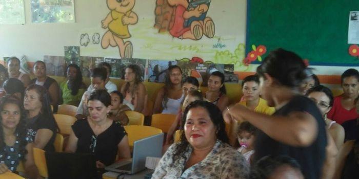 Mães marcam presença em festa em sua homenagem na Creche Tia Maria
