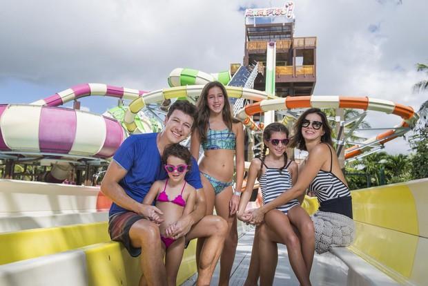 Rodrigo Faro com a família (Crédito: Divulgação)