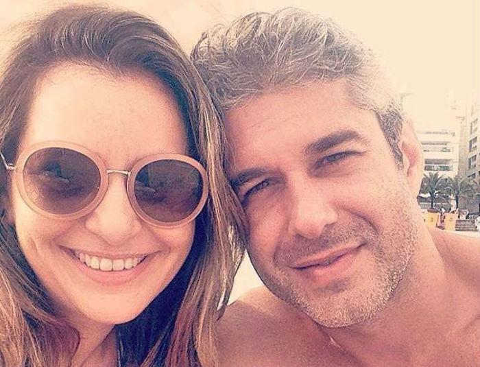 Giovana Alves de Oliveira ao lado do marido