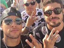 Dispensado, Neymar segue ritmo de festas com amigos em Ibiza